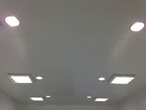 コーティング専用ブース照明状況