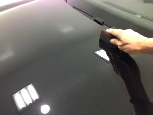 ガラスコーティング2層目の塗り込み作業