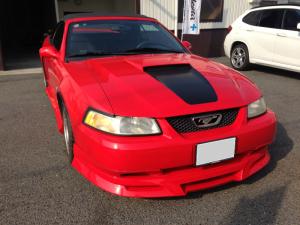 フォードマスタング 赤