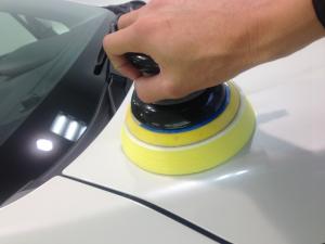 新車の磨き