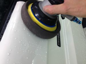 ランドクルーザー70ピックアップ ホワイト  磨き
